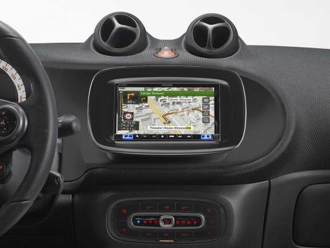 INE-W720S453B_Navigation-System_for-Smart-Fortwo-Forfour-453-Piano-Black