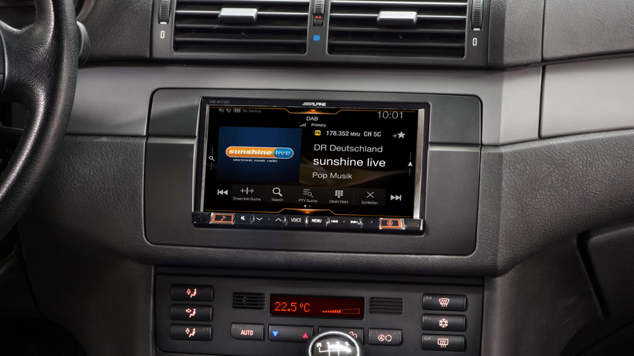 Alpine Style Mobile Media Designed for BMW 3 E46 - INE-W710E46