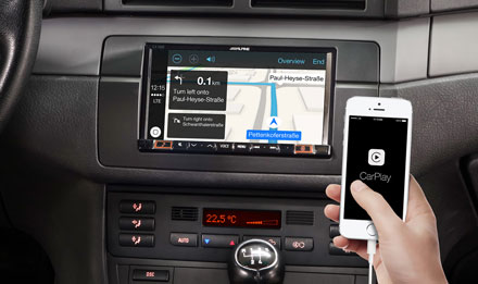 Online Navigation with Apple CarPlay - INE-W710E46